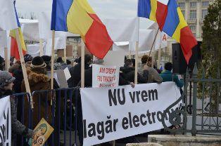 Marş pentru viaţă şi miting contra cip-urilor