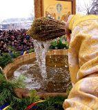 Minuni ale Ortodoxiei de Bobotează - Iordanul se întoarce, iar Aghiasma Mare este nestricăcioasă și tămăduitoare