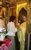 Dăm acatiste, pomelnice, liturghii sau sărindare?