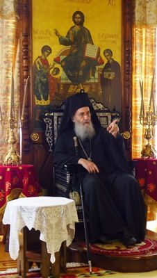 Mitropolitul Ierotheos Vlachos (interviu) - e nevoie de calm, cumpătare, rugăciune, să nu se creeze schisme în Biserică