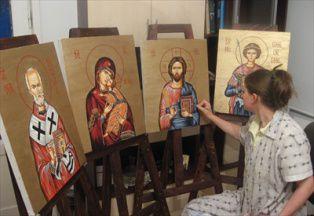 O menire sfântă: patru surori – patru iconare
