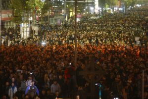 România fierbe - Îndemn al BOR la rugăciune, dialog şi coresponsabilitate socială