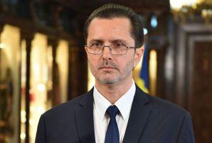 Vasile Bănescu: Parteneriatul civil exclude binecuvântarea lui Dumnezeu